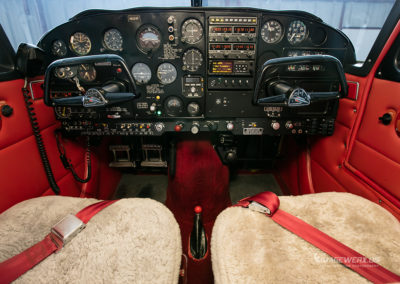Piper Comanche 250 Panel