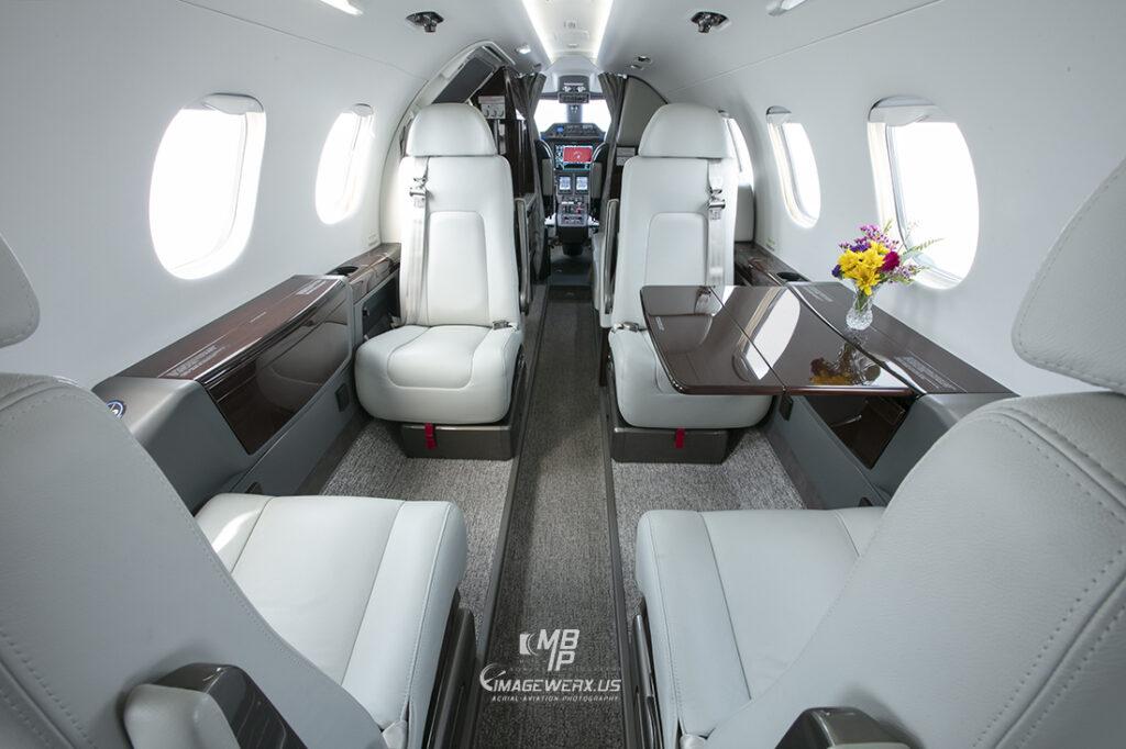 Embraer Phenom 300 Cabin 0522