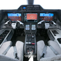 Embraer Phenom 300 Cockpit 0564